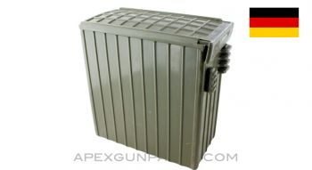 German Mag58 Ammo Can, Green Plastic, *Very Good*